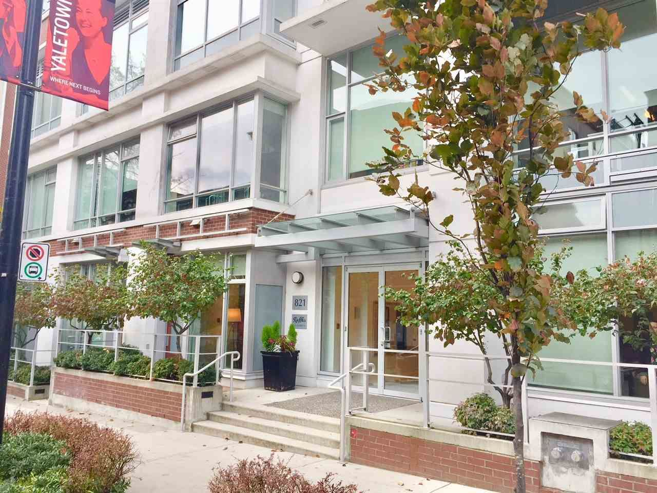 """Main Photo: 1204 821 CAMBIE Street in Vancouver: Downtown VW Condo for sale in """"RAFFLES ON ROBSON"""" (Vancouver West)  : MLS®# R2233653"""