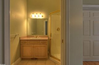 Photo 11: 2299 Lillooet Crescent in Kelowna: Other for sale : MLS®# 10038123