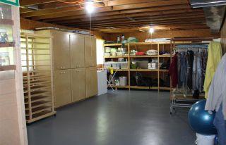 Photo 13: 885 EDEN Crescent in Delta: Tsawwassen East House for sale (Tsawwassen)  : MLS®# R2363175