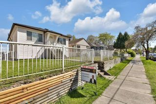 Photo 3: 1136 NANAIMO Street in Vancouver: Renfrew VE House for sale (Vancouver East)  : MLS®# R2571363