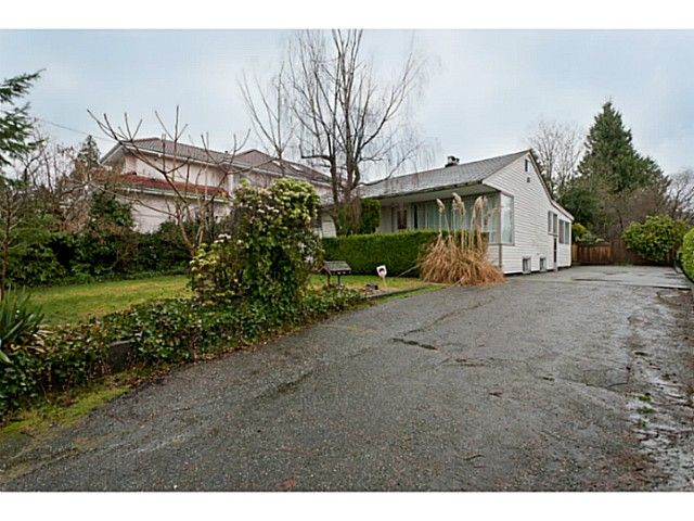 """Main Photo: 375 GUILBY Street in Coquitlam: Coquitlam West House for sale in """"CARIBOO/MAILLARDVILLE"""" : MLS®# V996440"""