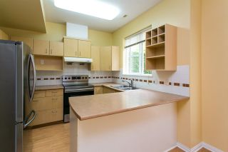 """Photo 2: 68 6465 184A Street in Surrey: Cloverdale BC Townhouse for sale in """"Rosebury Lane"""" (Cloverdale)  : MLS®# R2306057"""