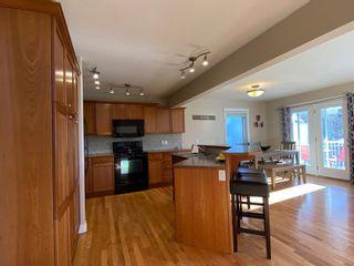 Photo 3: 213 11 Avenue: Sundre Detached for sale : MLS®# A1051245