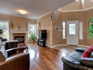 Photo 3: 2288 Selwyn Rd in Langford: La Thetis Heights House for sale : MLS®# 886611