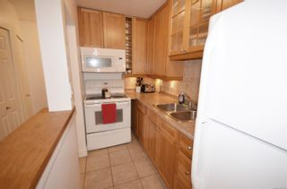 Photo 2: 2564 Highland Blvd in : Na Departure Bay Row/Townhouse for sale (Nanaimo)  : MLS®# 878325