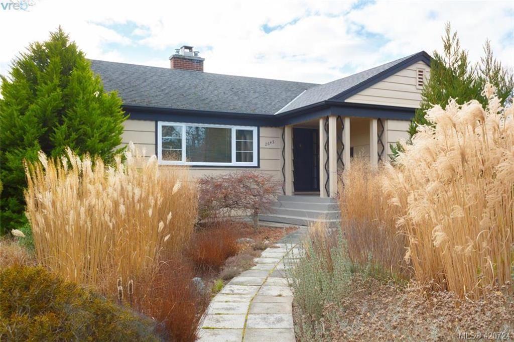 Main Photo: 2645 Dewdney Ave in VICTORIA: OB Estevan House for sale (Oak Bay)  : MLS®# 832706