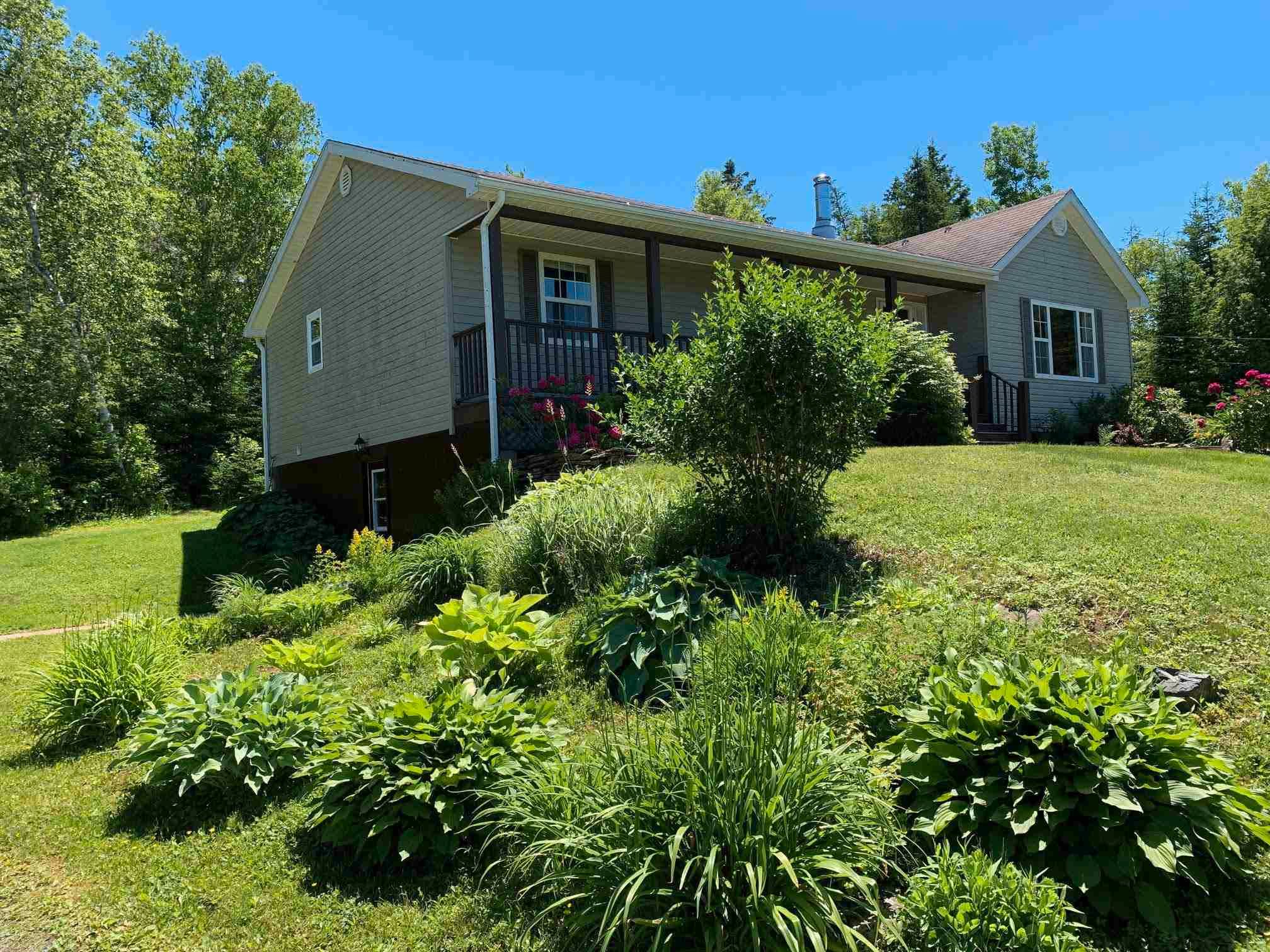 Main Photo: 959 Hardwood Hill Road in Heathbell: 108-Rural Pictou County Residential for sale (Northern Region)  : MLS®# 202116352