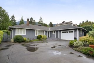 Photo 1: 958 DEVON Road in North Vancouver: Forest Hills NV House for sale : MLS®# R2205971