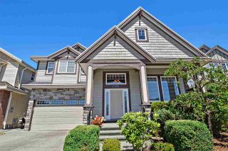 """Photo 3: 6351 167B Street in Surrey: Cloverdale BC House for sale in """"West Cloverdale"""" (Cloverdale)  : MLS®# R2475893"""