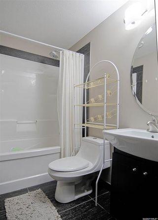 Photo 23: 711 7th Street East in Saskatoon: Haultain Residential for sale : MLS®# SK871051