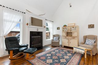 Photo 4: 2700 Ambleside Ave in : CV Cumberland House for sale (Comox Valley)  : MLS®# 869976