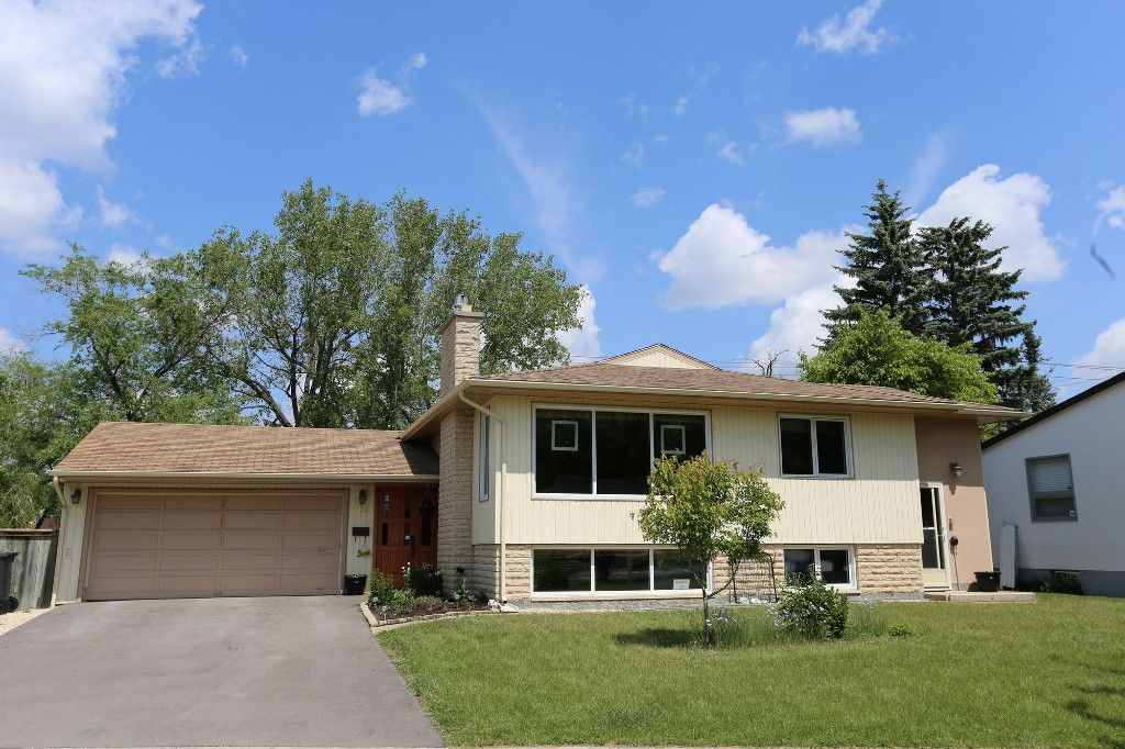 Photo 39: Photos: 105 Athlone Drive in Winnipeg: Grace Hospital Single Family Detached for sale (West Winnipeg)  : MLS®# 1516101