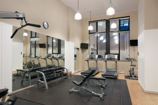 """Photo 17: 2208 928 HOMER Street in Vancouver: Yaletown Condo for sale in """"Yaletown Park"""" (Vancouver West)  : MLS®# R2373790"""