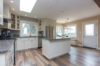 Photo 10: 6321 Clear View Rd in : CS Martindale House for sale (Central Saanich)  : MLS®# 870627