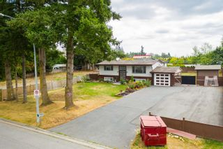 Photo 2: 26340 30A Avenue in Langley: Aldergrove Langley House for sale : MLS®# R2614135