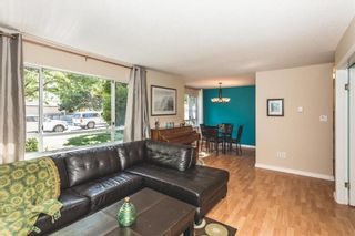 Photo 2: 204 15991 THRIFT AVENUE: White Rock Home for sale ()  : MLS®# R2098488