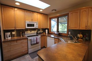 Photo 5: 7716 Golf Course Road in Anglemont: North Shuswap House for sale (Shuswap)  : MLS®# 10135100