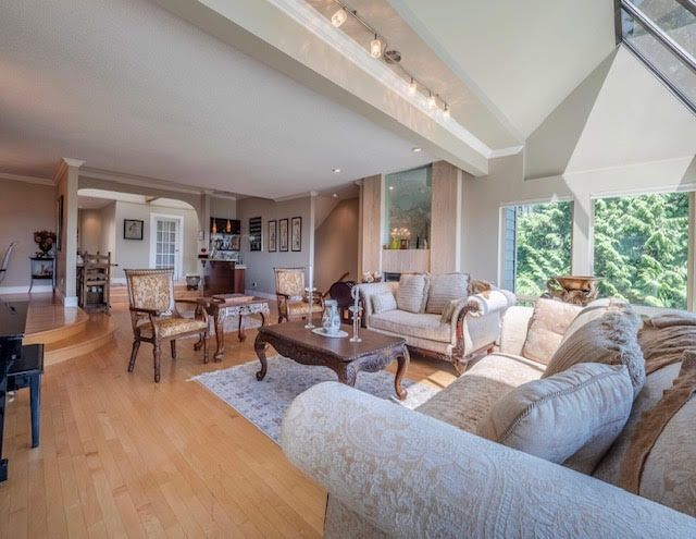Photo 7: Photos: 2426 Westhill Court Upper in West Vancouver: Westhill House for rent