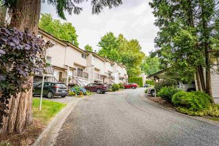 """Photo 1: 13 32705 FRASER Crescent in Mission: Mission BC Townhouse for sale in """"BLACK BEAR ESTATES"""" : MLS®# R2382548"""