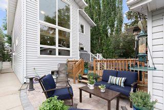 Photo 1: 9010 101A Avenue in Edmonton: Zone 13 House for sale : MLS®# E4265656