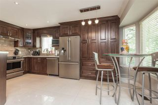 """Photo 5: 6059 187 Street in Surrey: Cloverdale BC House for sale in """"Eaglecrest"""" (Cloverdale)  : MLS®# R2399815"""