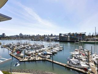 """Main Photo: 302 628 KINGHORNE Mews in Vancouver: Yaletown Condo for sale in """"SILVER SEA"""" (Vancouver West)  : MLS®# R2606045"""
