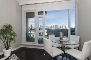 """Photo 5: 405 12 ATHLETES Way in Vancouver: False Creek Condo for sale in """"KAYAK"""" (Vancouver West)  : MLS®# R2236470"""