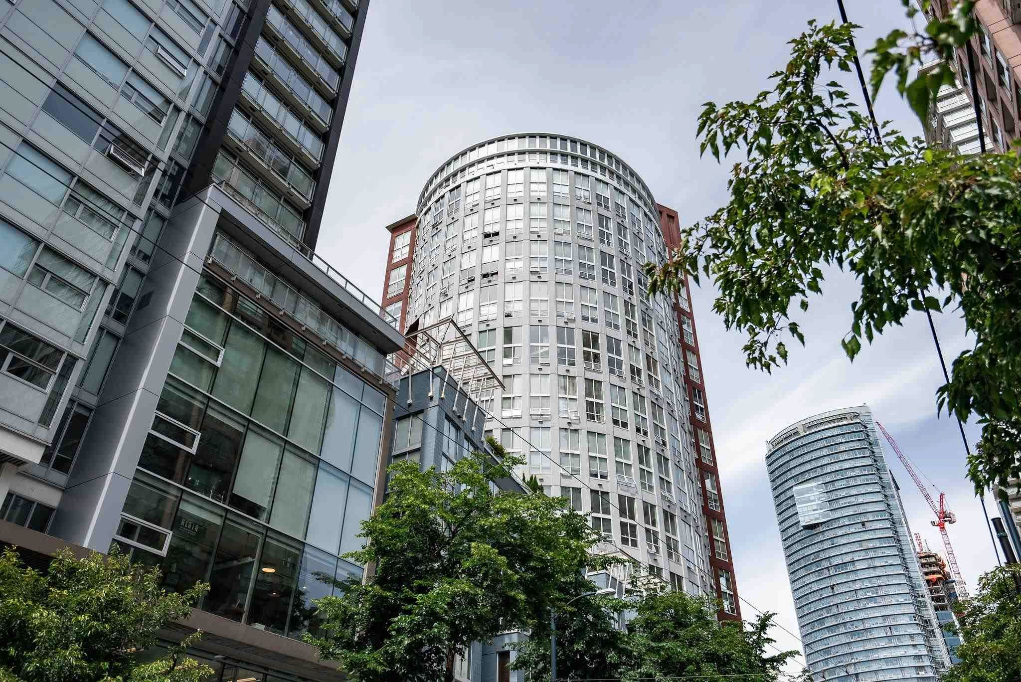 """Main Photo: 504 933 SEYMOUR Street in Vancouver: Downtown VW Condo for sale in """"The Spot"""" (Vancouver West)  : MLS®# R2595342"""