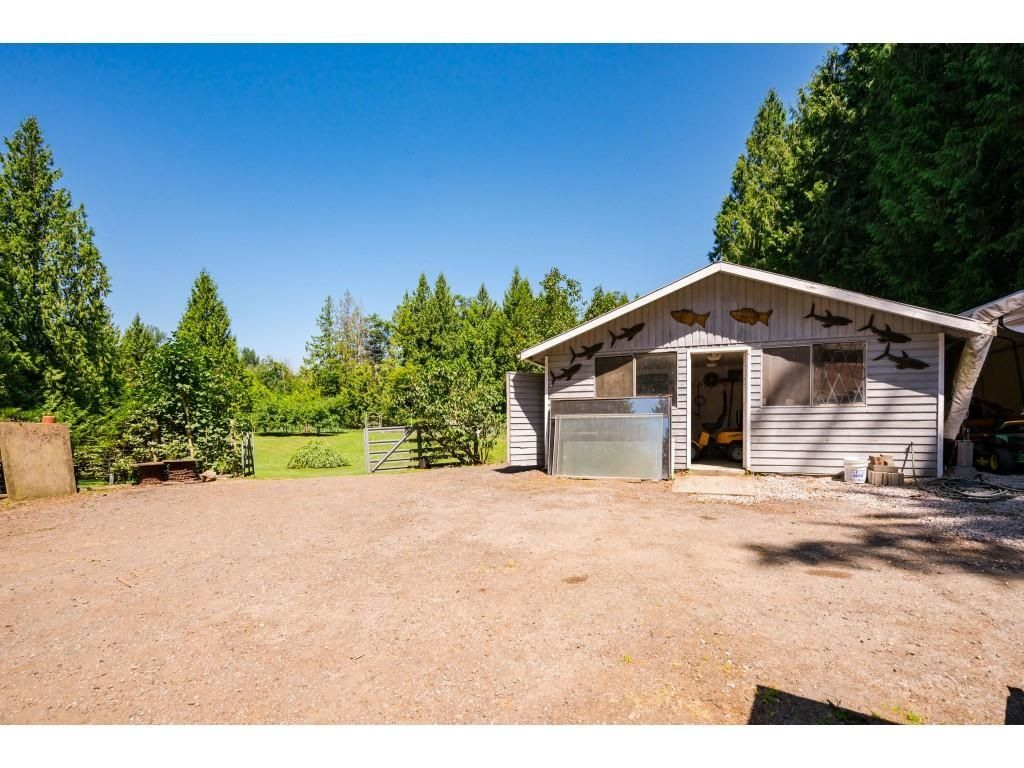 Photo 38: Photos: 26019 58 Avenue in Langley: County Line Glen Valley House for sale : MLS®# R2599684