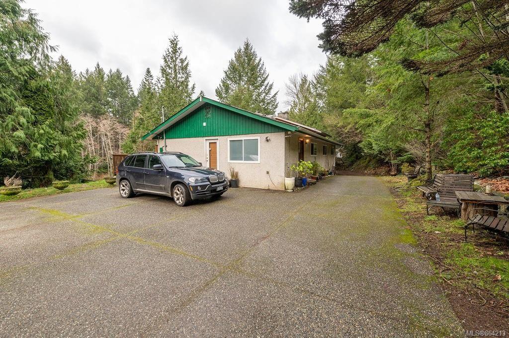 Photo 3: Photos: 2978 Woodridge Pl in : Hi Eastern Highlands House for sale (Highlands)  : MLS®# 864213