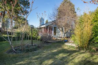 Photo 2: 2642 MCBRIDE Avenue in Surrey: Crescent Bch Ocean Pk. House for sale (South Surrey White Rock)  : MLS®# R2350175