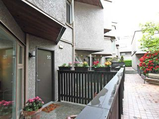 "Photo 2: 35 870 W 7TH Avenue in Vancouver: Fairview VW Townhouse for sale in ""LAUREL COURT"" (Vancouver West)  : MLS®# V893542"