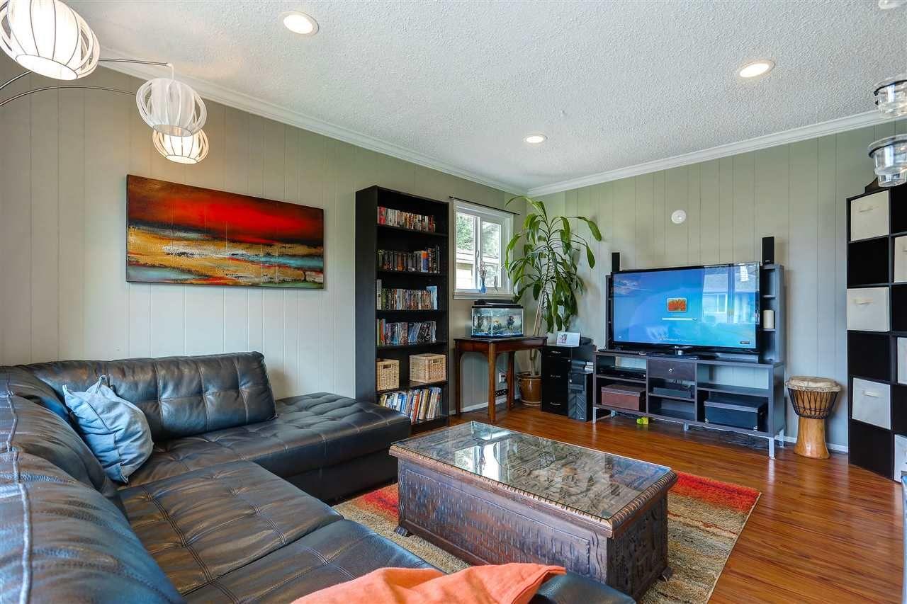 Photo 3: Photos: 11632 STEEVES STREET in Maple Ridge: Southwest Maple Ridge House for sale : MLS®# R2038534