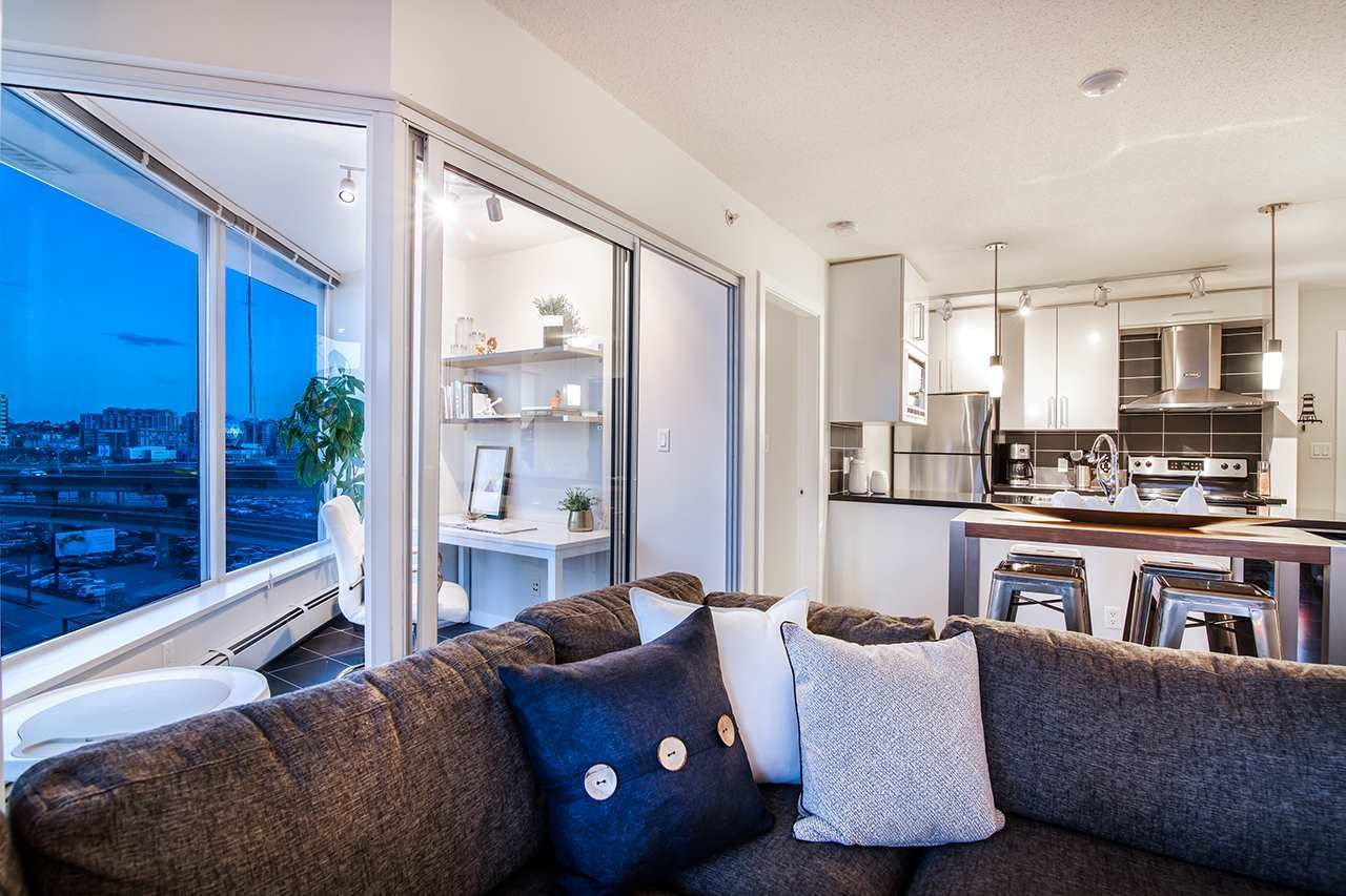 """Photo 6: Photos: 702 689 ABBOTT Street in Vancouver: Downtown VW Condo for sale in """"ESPANA"""" (Vancouver West)  : MLS®# R2352723"""