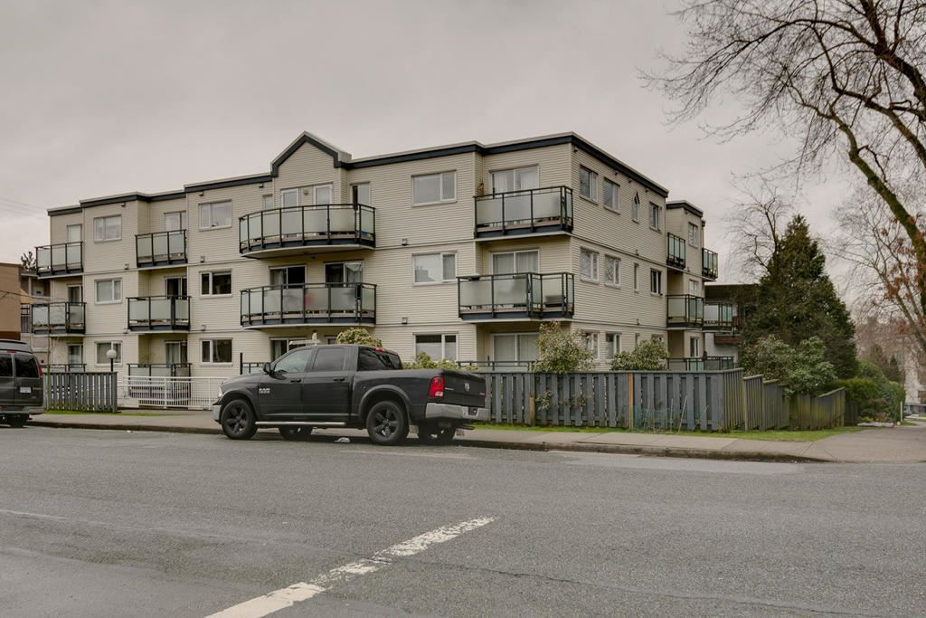 """Photo 3: Photos: 306 33 TEMPLETON Avenue in Vancouver: Hastings Condo for sale in """"North Templeton"""" (Vancouver East)  : MLS®# R2149760"""
