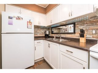 """Photo 10: 10531 HOLLY PARK Lane in Surrey: Guildford Townhouse for sale in """"HOLLY PARK LANE"""" (North Surrey)  : MLS®# R2147163"""