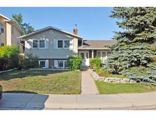 Photo 1: 8 NORSEMAN Place NW in Calgary: North Haven Upper House for sale : MLS®# C4023976