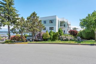 Photo 2: 204 907 Cedar St in : CR Campbell River Central Condo for sale (Campbell River)  : MLS®# 878028