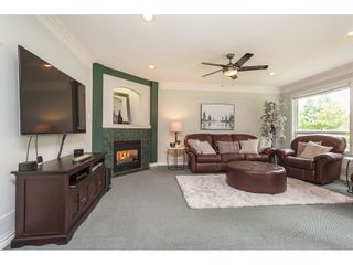"""Photo 10: 21773 46A Avenue in Langley: Murrayville House for sale in """"Murrayville"""" : MLS®# R2475820"""