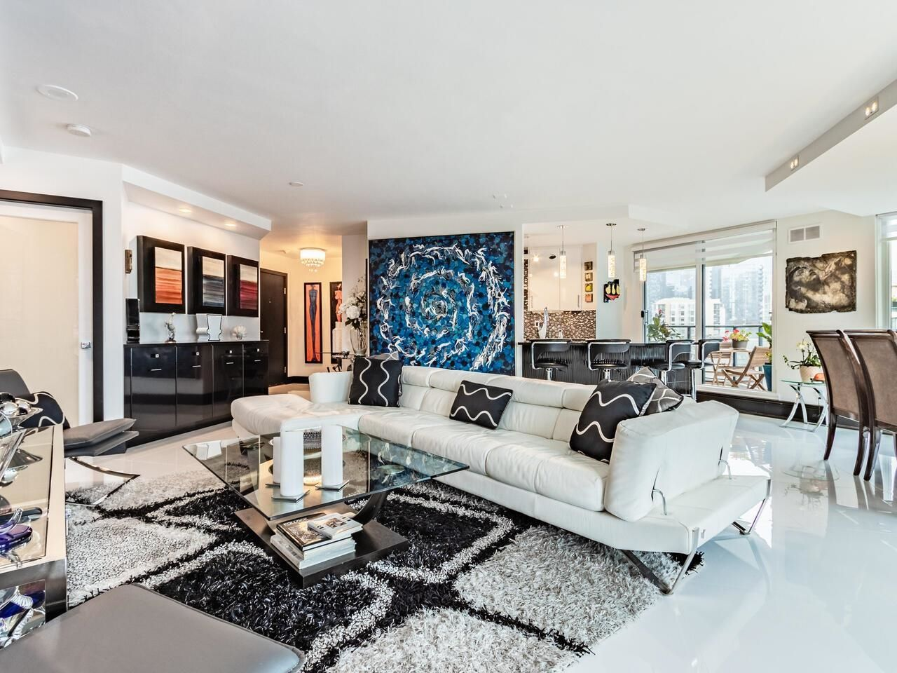 Main Photo: 1505 1010 BURNABY STREET in Vancouver: West End VW Condo for sale (Vancouver West)  : MLS®# R2613983