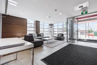 """Photo 2: W305 677 W 41ST Avenue in Vancouver: Oakridge VW Condo for sale in """"41 West"""" (Vancouver West)  : MLS®# R2605718"""