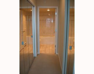 """Photo 6: 1703 6611 SOUTHOAKS Crescent in Burnaby: Middlegate BS Condo for sale in """"GEMINI I"""" (Burnaby South)  : MLS®# V667416"""