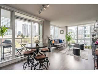 "Photo 8: 607 1077 MARINASIDE Crescent in Vancouver: Yaletown Condo for sale in ""Marinaside Resort"" (Vancouver West)  : MLS®# R2573754"