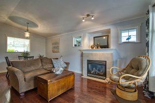 Photo 1: 6311 TYLER Road in Sechelt: Sechelt District House for sale (Sunshine Coast)  : MLS®# R2563508