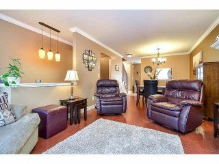 """Photo 4: 18 6238 192ND Street in Surrey: Cloverdale BC Townhouse for sale in """"BAKERVIEW TERRACE"""" (Cloverdale)  : MLS®# F1420554"""