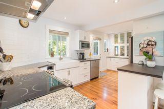 "Photo 10: 2882 MCKENZIE Avenue in Surrey: Crescent Bch Ocean Pk. House for sale in ""Crescent Beach"" (South Surrey White Rock)  : MLS®# R2460460"