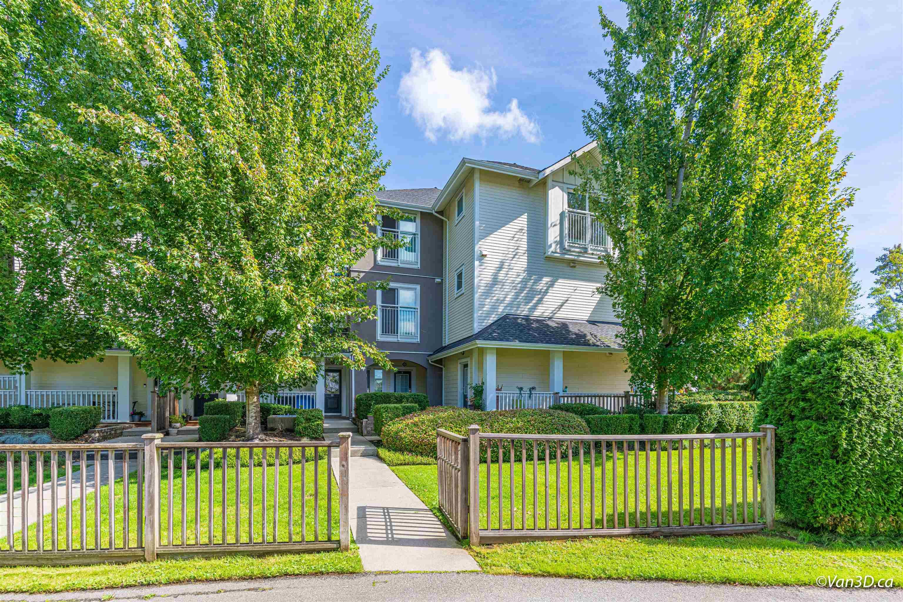 """Main Photo: 37 6965 HASTINGS Street in Burnaby: Sperling-Duthie Townhouse for sale in """"CASSIA"""" (Burnaby North)  : MLS®# R2617080"""