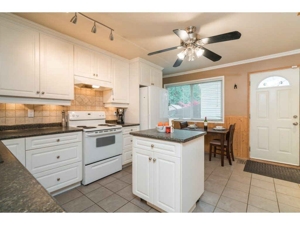 Photo 4: Photos: 8938 GANYMEDE PLACE in Burnaby: Simon Fraser Hills Townhouse for sale (Burnaby North)  : MLS®# R2416310