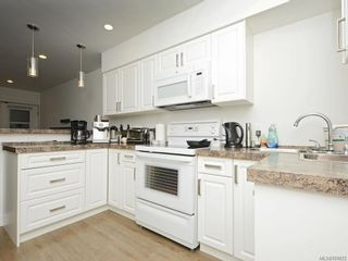 Photo 21: 3052 Awsworth Rd in Langford: La Humpback House for sale : MLS®# 887673