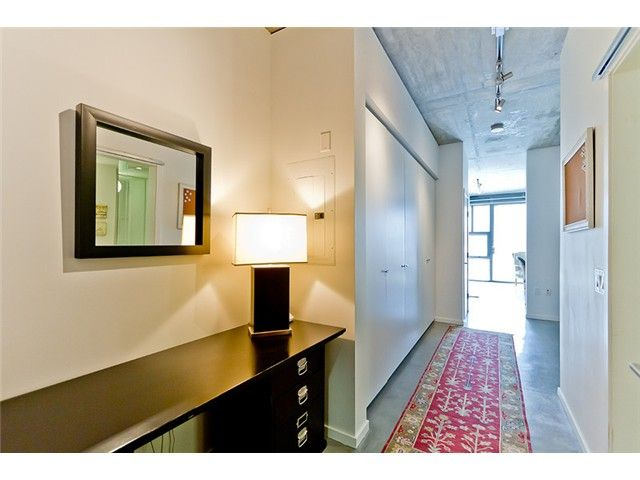 """Main Photo: 104 388 W 1ST Avenue in Vancouver: False Creek Condo for sale in """"THE EXCHANGE"""" (Vancouver West)  : MLS®# V975965"""